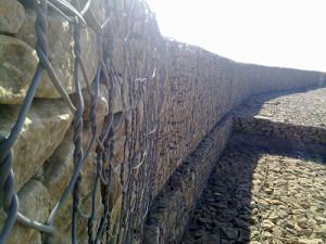 габионы для подпорной стенки