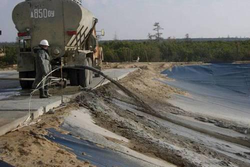 Строительство нефтяных амбаров