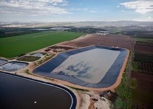 Купить геотекстиль 300, 350, 400, 450 для водохранилища