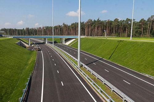 В 2018 году планируется введение в эксплуатацию восьми новых дорожных объектов в Подмосковье 18.05