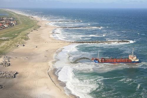 Укрепление берегов природных и искусственных водоемов