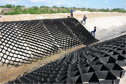 Георешетка Геофлакс в проекте работ по укреплению откосов и склонов